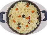 Almond rice - a healthy vegetarian dish