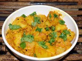 Bombay Potato - a spicy Indian potato curry with minimum fuss and great taste