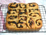 Mincemeat Buns Flavoured with Aromatic Cardamom