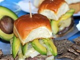 Stuffed Green Chili con Queso Cheeseburger Sliders #SundaySupper