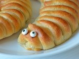 Worm Bread / Caterpillar Bread With Nutella |Eggless Bread