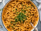 Creamy Roasted Red Pepper Tomato Pasta (Vegan)