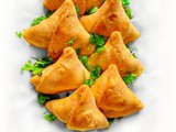 Easy Samosa Recipe – Step by Step Punjabi Samosa (Vegan)