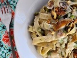 Herbed Pasta with Pears & Blue Cheese + @HarryandDavid Giveaway