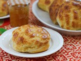 Golden Pineapple Buns #BreadBakers