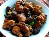 Braised Chicken with Chestnuts (栗子焖鸡 )