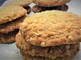 Weekend Baking: Very Easy Crunchy Oat Biscuits [egg free and gluten free]