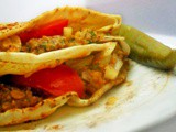 Pita Sandwich with Lentils and Onion