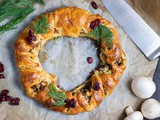 Vegan Veggie-Stuffed Christmas Wreath