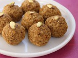 Chapati Ladoo | Leftover Roti Recipe | Churma Laddu