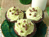 Mint Chocolate Chip Cookie Dough Cupcakes