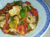 Chicken cubes in black pepper sauce
