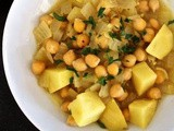 Yakhne helwe (potato and chickpea stew) recipe