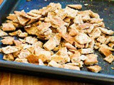 Baked Garlic Flavored Fattoush Salad Pita Chips