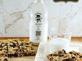 5 Ingredient Energy Bars with Oats, Dates, Dark Chocolate and Walnuts