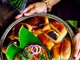 Mumbai Style Keema Pav / Chicken Mince Curry With Indian Bread Mumbai Style