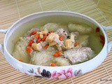 Double boiled fish bladder and spare ribs soup