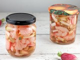 Sweet and sour pickled vegetables