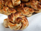 Kanelsnurrer - Norwegian Cinnamon Rolls with Cardamom