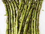 Sauteed Asparagus With Garlic and Oyster Sauce