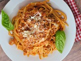 Instant Pot Spaghetti with Meat Sauce + Weekly Menu