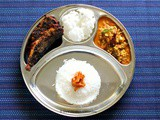 Mangalorean Plated Meal Series - Boshi# 33 - Sardine Fry, Rice Papads, Sprouted Moong Curry, Tendli Carrot Pickle & Rice