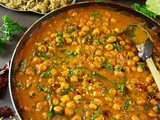 Easy Chickpea & Spinach Curry