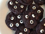 Spooky double chocolate eyeball cookies #Choctoberfest