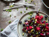 Beetroot salad with pistache and blueberries – whole30 approved