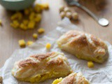 Dudefood Tuesday: Sweet pastry rolls with mangocustard