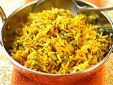 Turmeric rice and peas