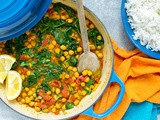 Quick Chickpea and Spinach Curry (Chana Masala)