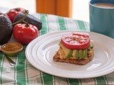 Wellness Monday: Egg White, Avocado and Tomato Sandwich