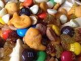 Football Friday: Munch a Bunch Snack Mix