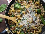 Gnocchi Salad with Spinach and Mushrooms-Vegetarian Salad Recipes