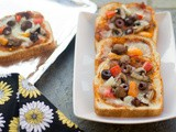 Bread Pizza | Vegetable Bread Pizza with Tomato-Pesto Sauce